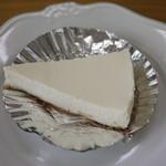 シーホース - レアチーズケーキ(336円)