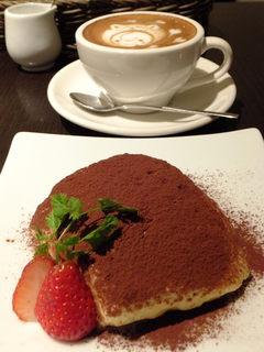 レッチェ - ティラミス&カプチーノ:ケーキセット 850円