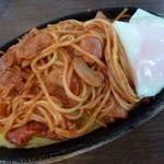 富士美 - 2013.05 イタスパ(750)を頂きました。敷いた卵に加えて目玉焼きも載っていました♪