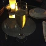 セント レジス ガーデン - シャンパン