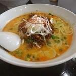 らーめん 麺の月 - 担々麺。辛さが選べる。太麺に絡むスープが美味い。