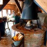 ふくろうの森 - 店内 薪の暖炉が
