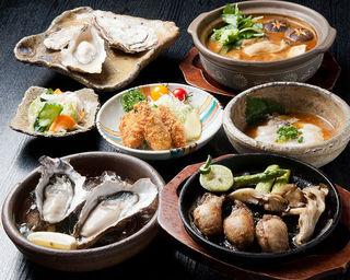 かきと旬鮮料理とおそば 開 - 自慢のカキ料理は30種類以上のバリエーション豊かなメニューをご用意しております。