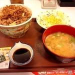 19169297 - 焼きそば牛丼+豚汁サラダセット^^;