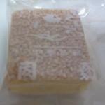 19169435 - ココナッツサンド180円