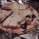 やきやき鉄板お好み焼ききんぎょ - 【ピザ@値段不明】 カリカリのピザ。。旨し!