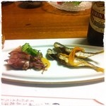 蛇の目寿司 - 【2013年5月24日】先付け「ボイルホタルイカと豆あじ唐揚げ」(^^)