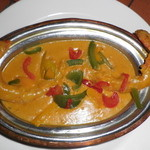 ミラマハル - 夏季限定マハルカレーに「手作りトマトスープ」が付きます。写真はエビマハルカレー。