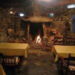 イビサスモークレストラン - 冬には薪の暖炉