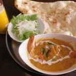 ミラマハル - マハル(宮廷)カレーには、夏季限定で「手作りトマトスープ」が付きます。