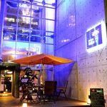 LaLa Cafe - ■ネオンライトが輝くお洒落なお店■大通り沿いの看板が目印です♪