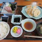 阿波水軍 - 日替わりの「刺身と天ぷら定食」(500円)
