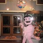 ババ・ガンプ・シュリンプ - お店のマスコットキャラクタールイ君があなたをお待ちしてます!!