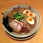 越後秘蔵麺 無尽蔵 - 鶏がら醤油らーめん+味付玉子