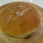 ヨコスカベーカリー - これがその「フランスパン」らしい(100円)