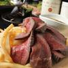 川越 ワイン酒場 肉バル EBISU  - 料理写真:自家製ローストビーフ 特製ソースで   1,029円