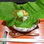 口福よこ山 - 能登の鮑、雲丹のジュレがけ、オクラのペースト添え(2013年5月下旬訪問)