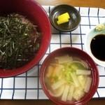 レストランちろり - 料理写真:ネギトロ丼です(お味噌汁、お漬け物つきでした)