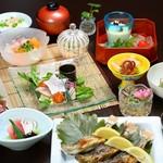 囲炉里庵 花水木 - 埼玉・秩父・長瀞の地産を活かした和食会席料理