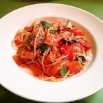 mangiareくれは - 料理写真:ズッキーニとなす、パプリカのトマトソース