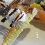 ガーデンヴィラカフェ - フルーツパンケーキ カット
