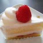 パティスリー ゲン スズキ - いちごのショートケーキ