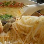 タイ国惣菜料理 ゲウチャイ - 麺もおいしい