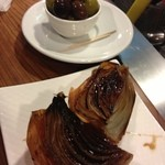 19205779 - バルサミコ味のロースト玉ねぎ。シンプルなのに美味しすぎます。