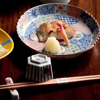 加賀・能登の新鮮食材をふんだんに盛り込んだ会席料理