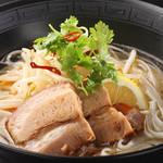 札幌ぶたやO38 - ぶたやの豚角煮のフォー☆香菜とナンプラーの組み合わせがさっぱり♪