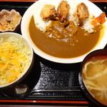 こめこめや 高田馬場 - 唐揚げカレー定食(日替わりサービス定食)