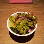 炭焼牛たん東山  - サラダが美味しい