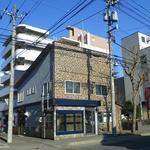 石田珈琲店 - 喫茶は店内奥です