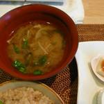 玄米食の店 のら - 味噌汁