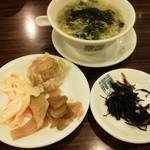 19215885 - ランチの漬物・ひじき・スープ