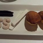19217425 - 【2013年5月ディナー】マドレーヌと小菓子