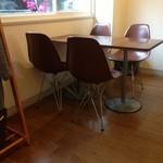 ディアリオ - テーブル席