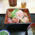 田中屋 - 東丼の3点のセットです。