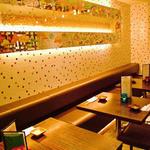 きのこ料理とアボカド料理の専門店 きのこの里 - 飲み会の方にはテーブル席が人気◎きのこのウンチクを読みながらお料理も楽しめる(笑)