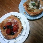 des Lis - タルト2種。苺とチョコバナナ。