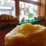 もくもく - クリームパンを店内で食べました♪