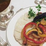 19227910 - 旬の野菜たっぷりカレー