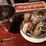 Oyster Bar ジャックポット - 木曜限定蒸し牡蠣600円ーーー