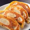リトル泰興楼 - 料理写真:毎日皮から手作り!伝統の老舗泰興楼名物のジャンボ餃子