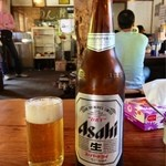 らーめん八平 - 瓶ビール:アサヒスーパードライ♪お孫さんに、一声掛けたら、自分で冷蔵庫から出して、呑みましょう♪