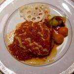 紙屋町パーラー - トマトとモッツァレラチーズのイタリアンハンバーグ