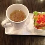 おむや - セットのサラダ&スープ