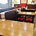 九州麺 本格餃子 清正 - 広々テーブル席♪