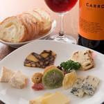 Standing Bar musso - 美味しさ食べ比べ『選べるチーズ盛り合わせ 五種盛』