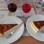 野反峠休憩舎 - チーズケーキ2種とサービスの自家製果物果汁